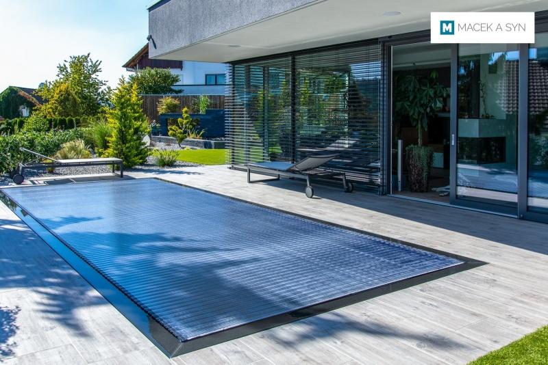 Schwimmbecken 3 x 7,6 x 1,4m, Lorch, Baden-Württemberg, Deustchland, Realisierung 2018
