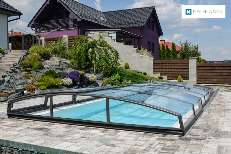 Schwimmbecken 3,25 x 6 x 1,35m Těmice, Czechia, Realisierung 2017