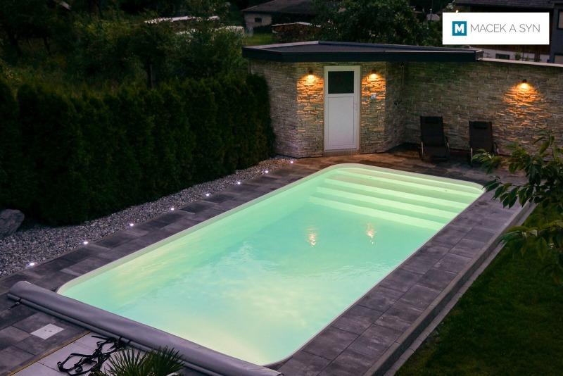 Schwimmbecken 3,5 x 7,5 x 1,5m, Nasserreith, Tirol, Österreich, Realisierung 2017