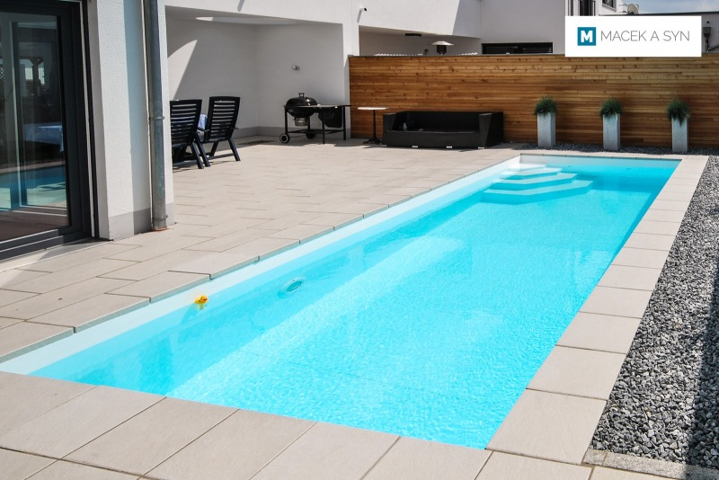Schwimmbecken  2,8 x 6,8 x 1,35m, Landshut, Bayern, Deustchland, Realisierung 2012